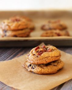 Bacon & Chocolate Chip Cookies: Next time you make a big batch of chocolate chip cookies...add some crispy bacon to the mix.