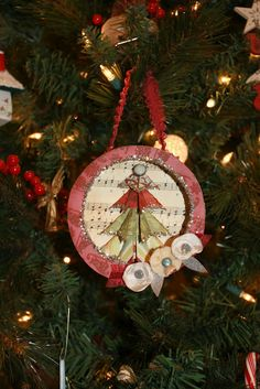 ~ Ms Smartie Pants ~: Turn a Laughing Cow cheese box to an ornament!