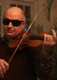 Blind-tested soloists can't tell Strads from modern! Confirming previous tests