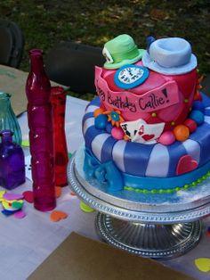 Alice in Wonderland cake birthday parti, cake idea, alice in wonderland, cake food, cake style, hatter alic, parti idea, alice in the wonderland cakes, mad hatter