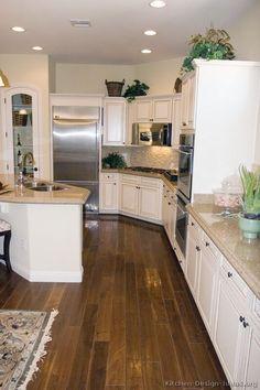 Traditional Antique White Kitchen Cabinets #17 (Kitchen-Design-Ideas.org)