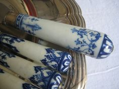 Saint-Cloud porcelain knives