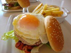Hamburger de Porco com cebola confitada