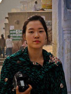 Varanasi 081 - Korean tourist - http://indiamegatravel.com/varanasi-081-korean-tourist/