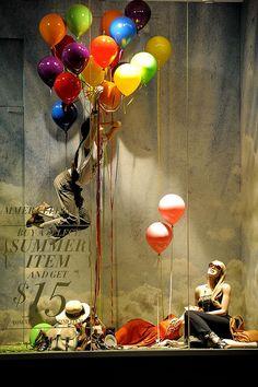 you have lost weight ?,pinned by Ton van der Veer Amalia: me gusta por los globos de colores
