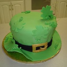 food, simple cakes, st patricks day, groom cake, cake designs, party cakes, parti, hat, birthday cakes