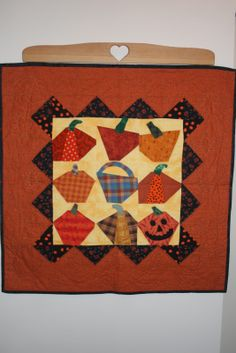 quilts made from Cheri Saffioti patterns | found this pattern Ghoulish Fantasy by Pine Tree Lodge. I made ...