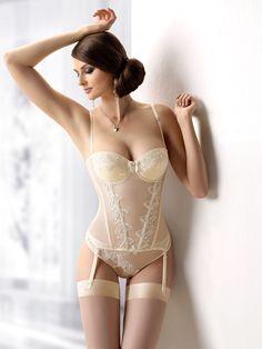Ropa interior novias.Amazing wedding corset! #wedding #bridal #lingerie