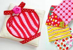Valentine's+Day:+Hoopla+Pre-Cuts:+Chubby+Heart+Coasters