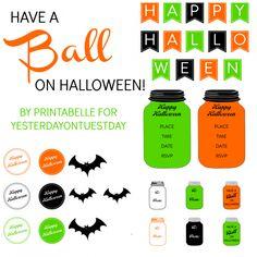 Halloween Mason Jar Printables Spooky-cute Halloween themed Mason Jar printables including party invites, a mini banner, tags, labels and bats #masonjars #masonjarcrafts #halloweenprintables #halloweencrafts