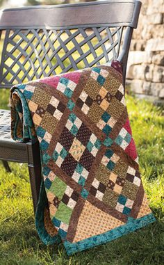 Willow is an easy four patch quilt from Easy Quilts Fall 2013. Quilt by Devon Lavigne and Sharon Smith.