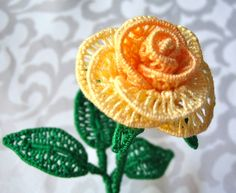 Rose in inverted tatting