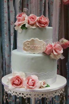 Shabby Chic First Birthday ~ The Cake!