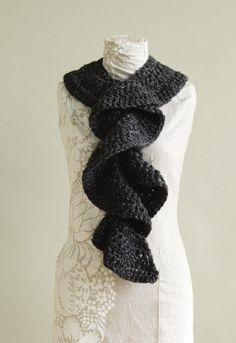 Flirty Ruffle Scarf {my favorite scarf to crochet!}