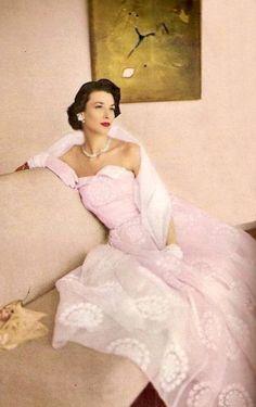 Dorian Leigh - May 1948 - Harper's Bazaar