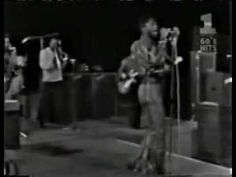 ▶ Build me up buttercup - The Foundations (Live) - YouTube