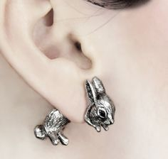 This pair of earrings are adorable!