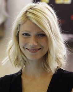Gwyneth Paltrow Hairstyles: Messy Medium Haircut - Pretty Designs
