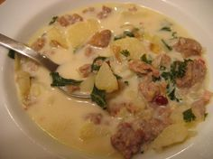 What's for Dinner: Home Made Zuppa Toscano Soup! I have got to try this when i get home! It's in my top 5 favorite soups!