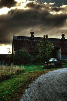 Dark Barn, Vermont