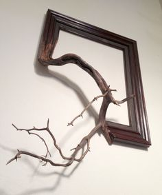 Wood frame with grafted manzanita branch Oscar par FusionFramesNW