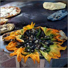 Flores de calabaza con huitlacoche