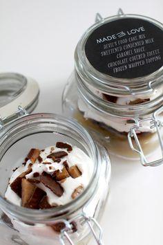 10 Creative Hostess Gift Ideas: Cake in a Jar