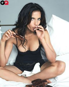 Padma Lakshmi: Desi girl eating ribs...Where have you been all my life!? ;)