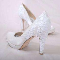 Sapatos com detalhes em renda!