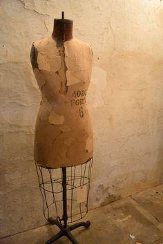 Mannequin @ www.chartreuseandco.com