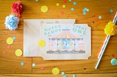 Merry-go-round 1st birthday by Elvira Ramos   Eva Marie Photography   100 Layer Cakelet birthday invitations, carousel, kid birthdays, kid parti, cupcak parti, 1st birthdays, parti idea, kid birthday parties