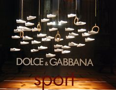 Dolce Gabbana visual merchandising 2012 spring, Milano visual merchandising