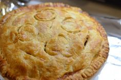 """Damn Fine Apple pie from """"The Sweet Kitchen"""" - an awesome baking primer I once read cover to cover kitchens, perfect appl, apples, appl pie, sweet kitchen, apple pies"""