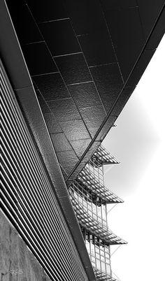 Aluminium building #architecture | black and white