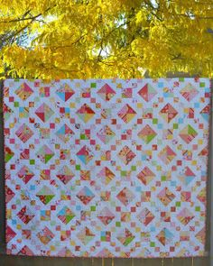 Porch Swing Quilts: Friday Finish: Hello Sunshine Jacob's Ladder Quilt, and Blogger's Quilt Festival!