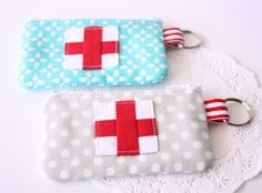 Be Prepared Emergency Pouch - @A Spoonful of Sugar can help you prepare for emergency situations with this sweet little quilted pouch. Gather your charm packs and put together a small quilted bag pattern that you can use to store small emergency items. It also makes a fun small quilted gift for anyone in the medical field.