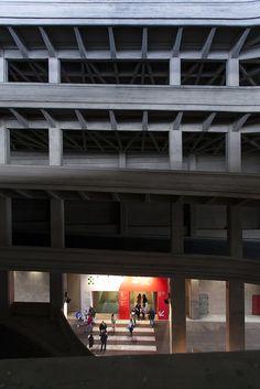 L'ingresso al Padiglione 5 dalla rampa che sale alla Pista sul tetto del Lingotto (Salone Internazionale del Libro 2013) #lingottofiere #salto13 #torino