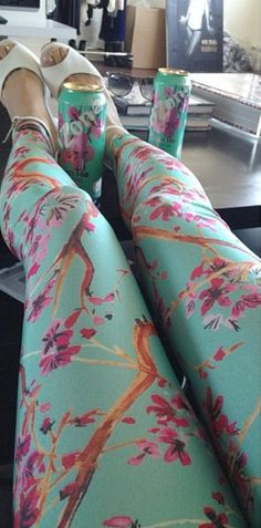 Arizona iced tea leggings<< WANT !!
