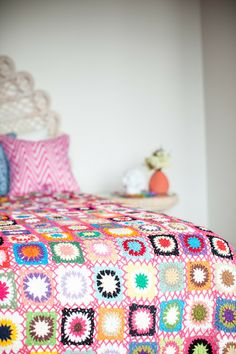 Open Weave Pink Patchwork | Milly + Eugene #crochetblanket #crochetinspiration