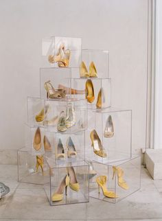 cool display idea visual merchandis, nude shoes, glass boxes, retail displays, shoe display, shoe art, box art, display idea, shoe storage