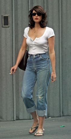 Gemma Arterton in cropped jeans, white t-shirt, sandals.