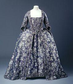 Robe à la Française 1750-1760 Musée Galliera de la Mode de la Ville de Paris