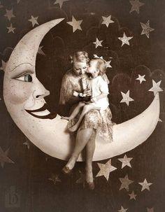 paper moon mother, paper moon, daughter, moon portrait