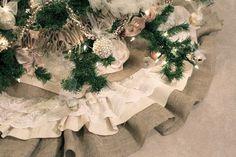 burlap & lace tree skirt tutorial by DIY Divas
