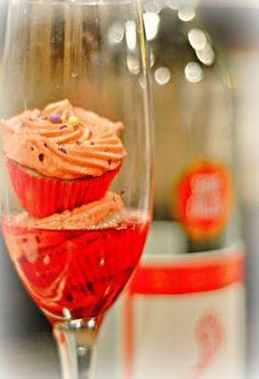 Sweet Red Moscato Cupcakes  @Jess Pearl Pearl Liu Danielle