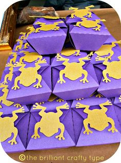party favors, harri potter, frog party, birthday parties, favor boxes