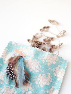 Make Me: Fabric Gift Bags http://decor8blog.com/2013/05/28/make-me-fabric-gift-bags/