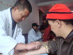 Tibetans Thrive at High Altitudes Thanks to Neanderthal Cousin