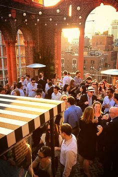 8 NYC bars you should go to RIGHT NOW 39 rooftop, nyc rooftop, rooftop bar, new york bar