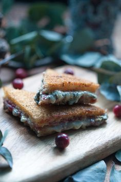 Blue cheese and cranberry jam croque monsieur - Gourmantine